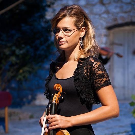 Iva (2)